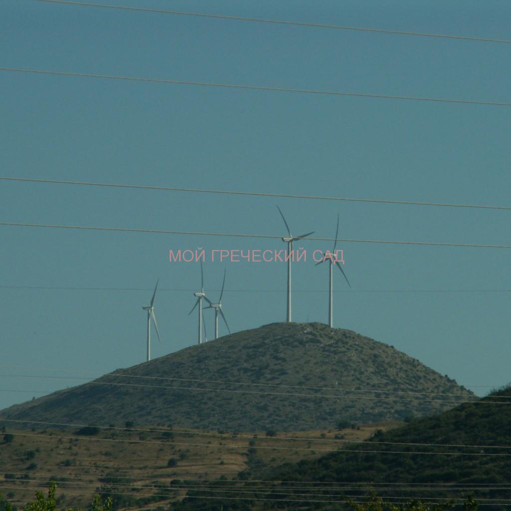Ветряки на вершинах гор