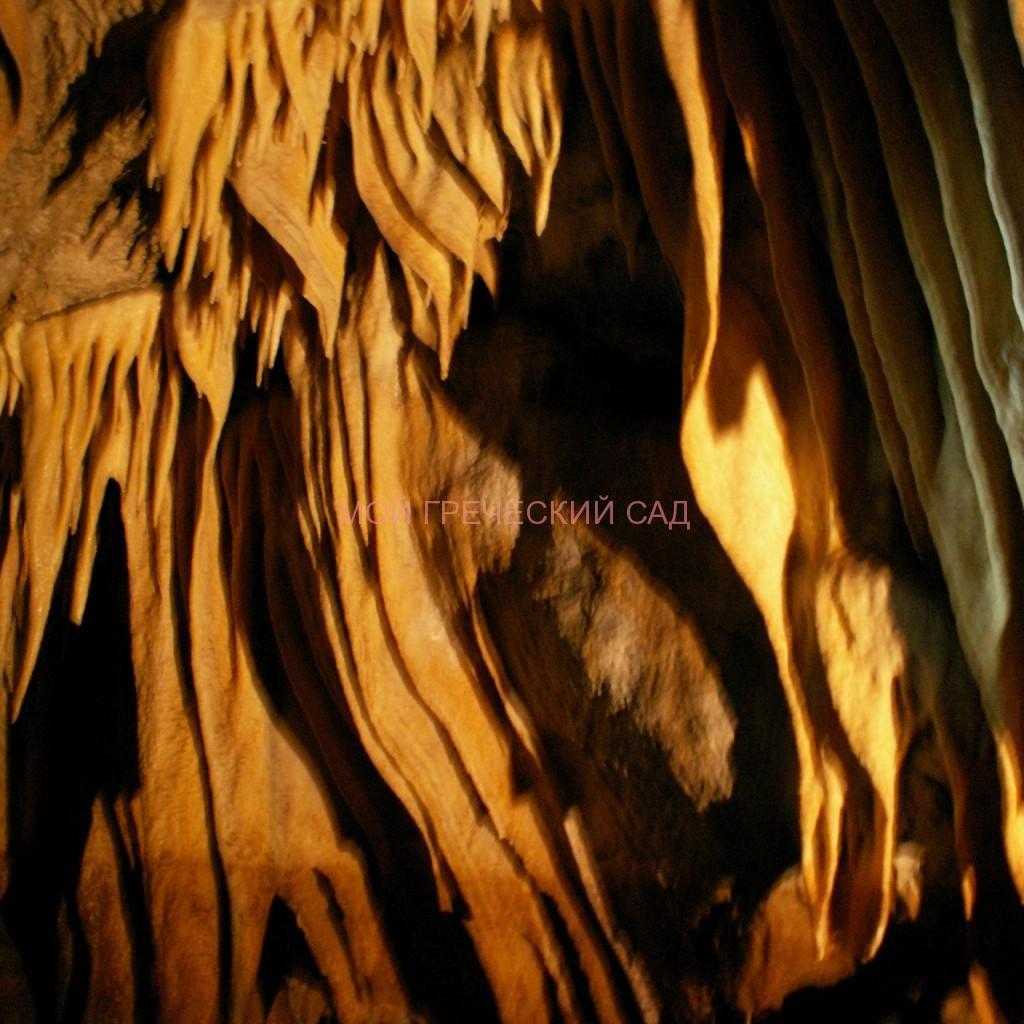 Сталактиты пещеры Капсья фото