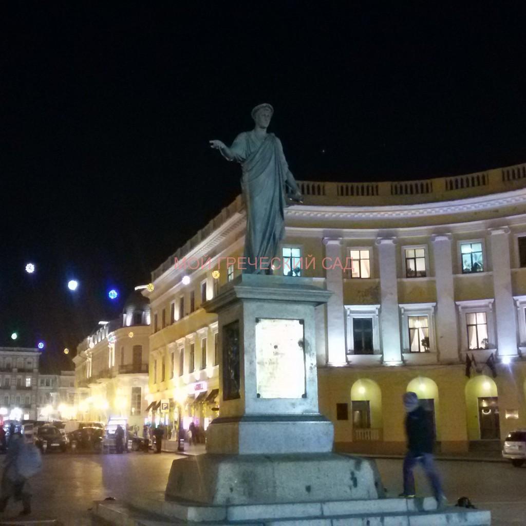 Памятник Дюку де Ришелье в Одессе фото